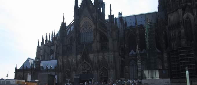 1 Stunde Marathon im Kölner Dom
